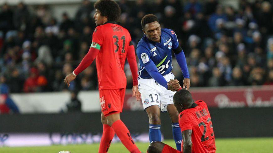 Après sept matchs sans défaite, Sarr et les Niçois sont tombés sur la pelouse de Strasbourg.