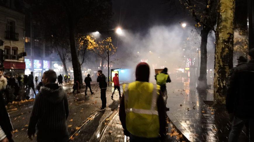 18H, à la jonction entre la place Jean Jaurès et l'avenue de Grammont