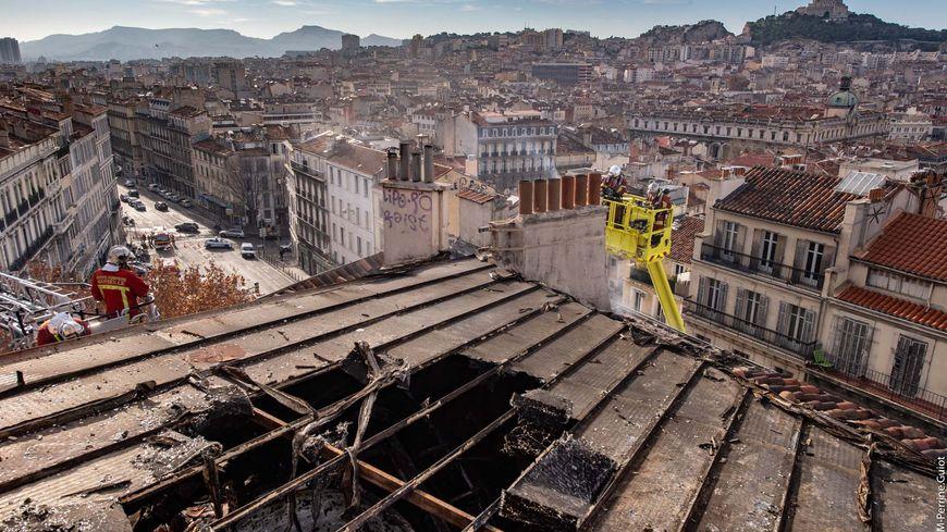 L'incendie a causé l'effondrement de la toiture