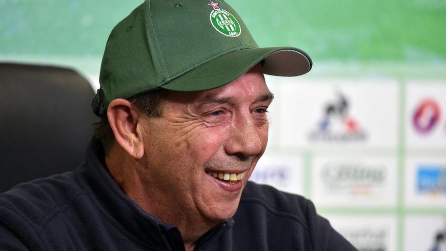 Jean-Louis Gasset en conférence de presse à l'Etrat cette saison.