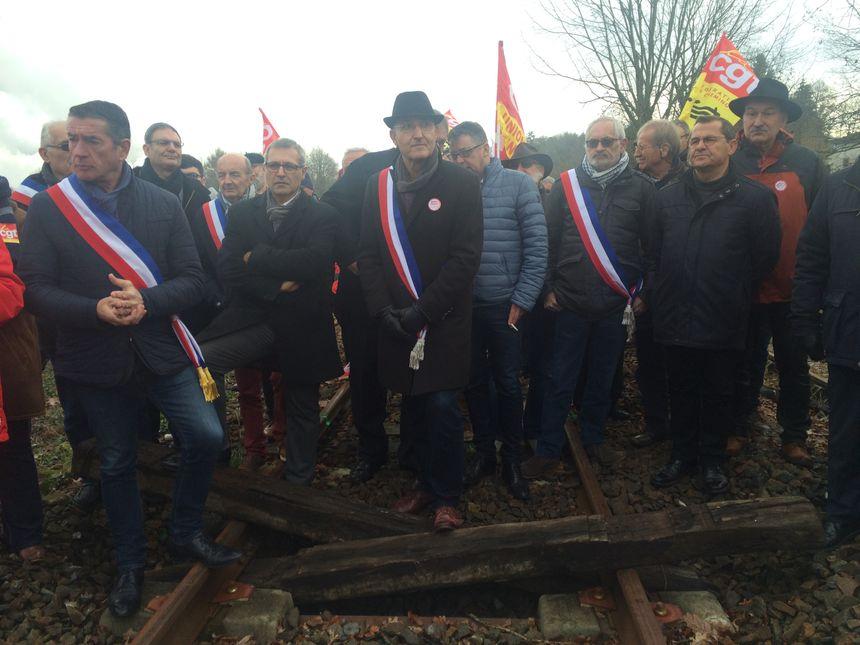 Les défenseurs de la ligne Limoges-Angoulême dénoncent la mise à mort de la ligne