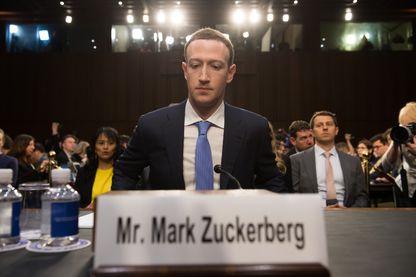 Le fondateur de Facebook, Mark Zuckerberg, lors d'une audition au Congrès américain en avril 2018, sur l'utilisation de son réseau social pour de la désinformation pendant la présidentielle de 2016.