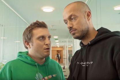 Mcfly (à gauche) et Carlito (à droite), vidéastes français, fondateurs de la chaîne Youtube Mcfly & Carlito.