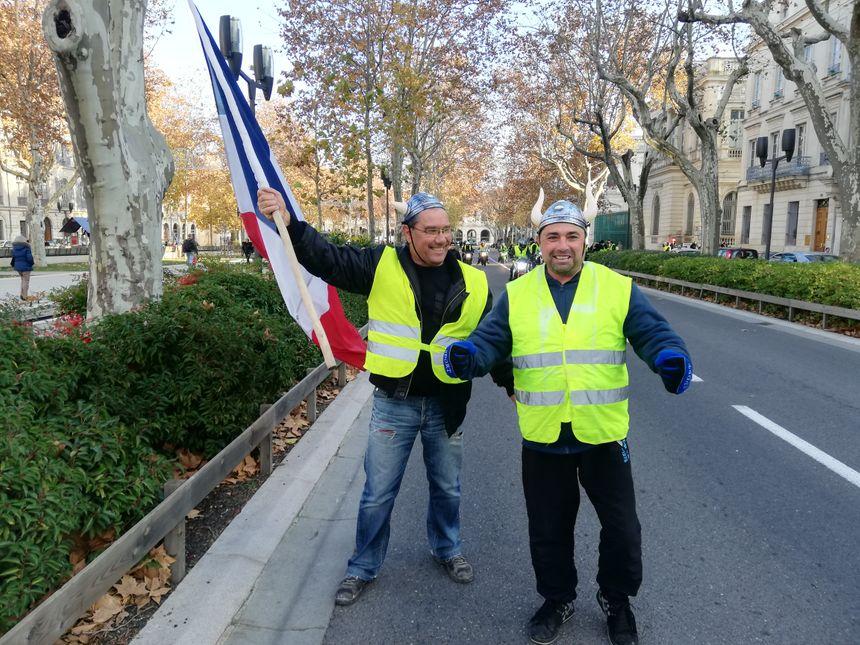 Deux manifestants sont allés rejoindre les motards devant la préfecture du Gard.