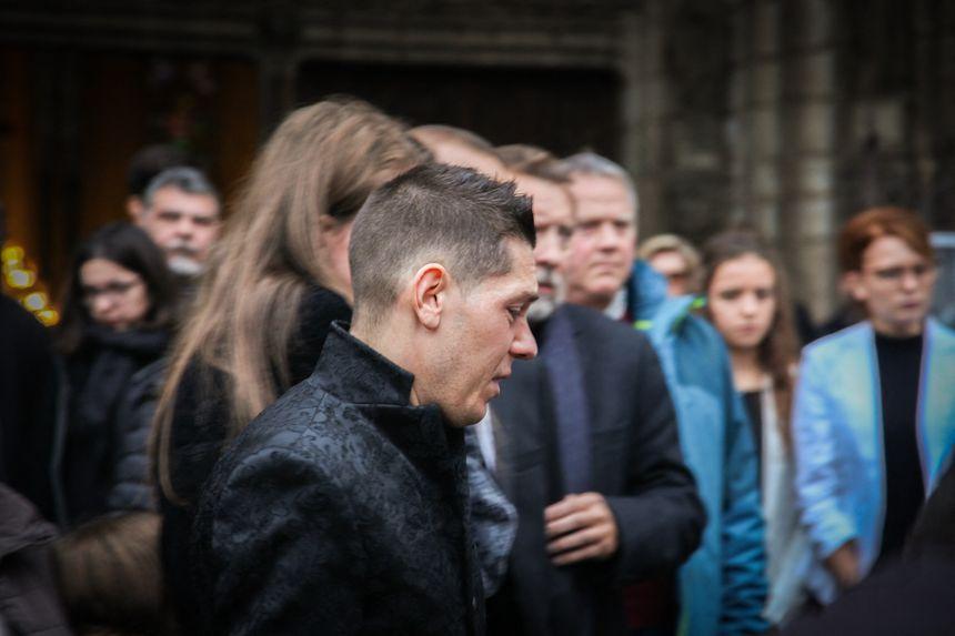 Obsèques d'Alexia Daval à Gray : au premier plan, son mari Jonathann.