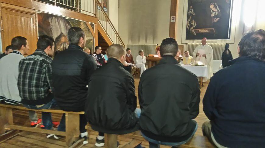 Monseigneur Boulanger a officié devant une trentaine de détenus à la maison d'arrêt de Caen