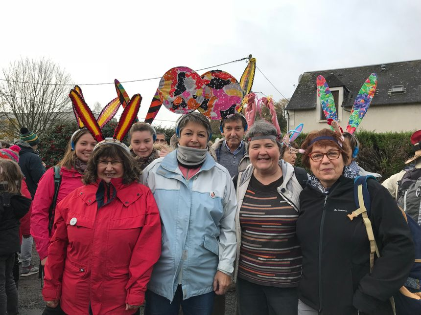 Les marcheurs vont passer par Coings dans l'Indre, par Orléans dans le Loiret pour rejoindre la capitale.