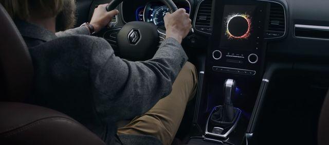 Capture d'écran du spot publicitaire de Renault sur AEX