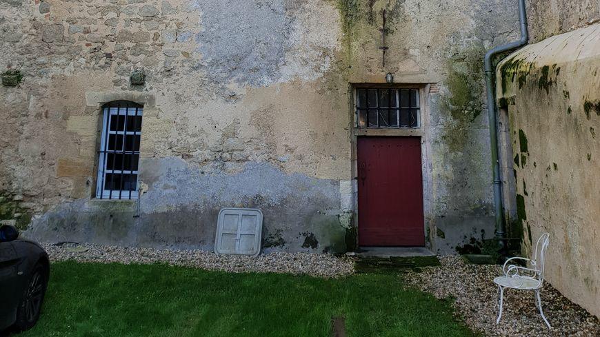 L'ancienne entrée principale du château du Hamel à Castets en Dorthe