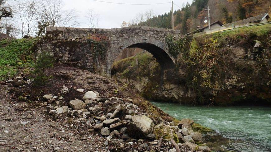 Le Pont d'Évian est l'un des deux sites sélectionnés en Pays de Savoie.