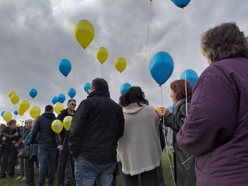 200 ballons ont été lâchés en hommage à Paulette Guyon