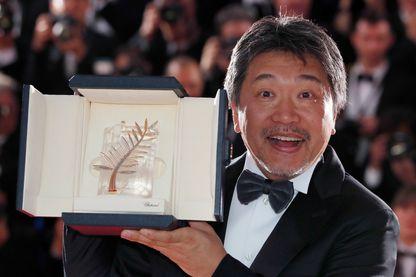 Hirokazu Kore-eda, réalisateur japonais, récompensé de la Palme d'Or, lors du 71ème festival de Cannes (France, 19 mai 2018).
