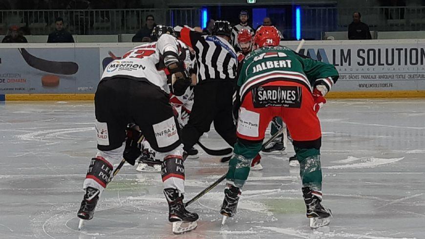 Les hockeyeurs angloys n'uaront pu rivaliser que durant un tiers-temps