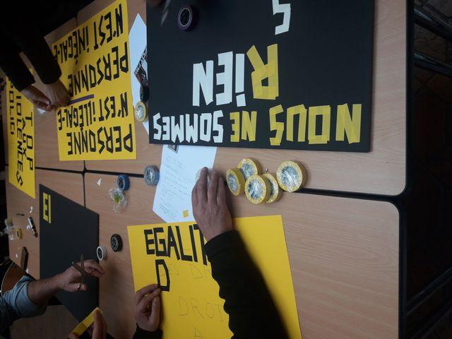 Préparation d'affiches à la bourse du travail, Collectif Rosa Parks