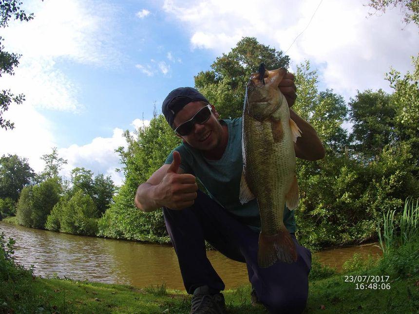"""Florent Kovitch pêche en priorité le black-bass, """"un poisson sportif, très malin et très compliqué à avoir""""."""