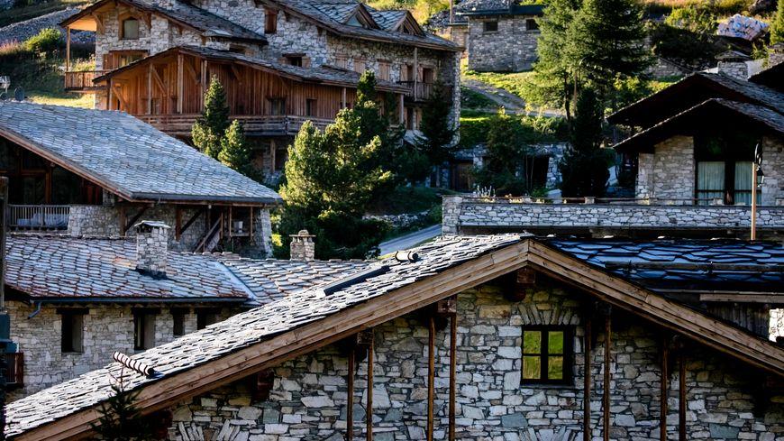 Les chalets à l'architecture traditionnelle de Val d'Isère, Savoie