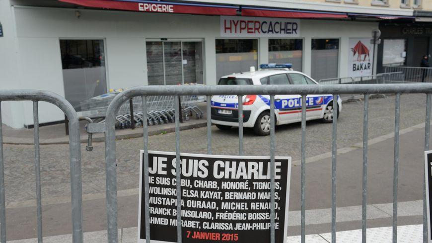 Le 9 janvier, Amédy Coulibaly avait tué quatre hommes, tous juifs, lors de la prise d'otages de l'Hyper Cacher, dans l'est parisien.