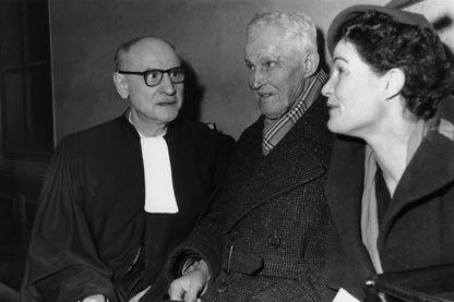 Guillaume et Jeanne Seznec avec leur avocat