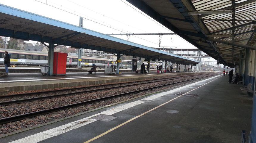 Les quais de la gare de Bourges
