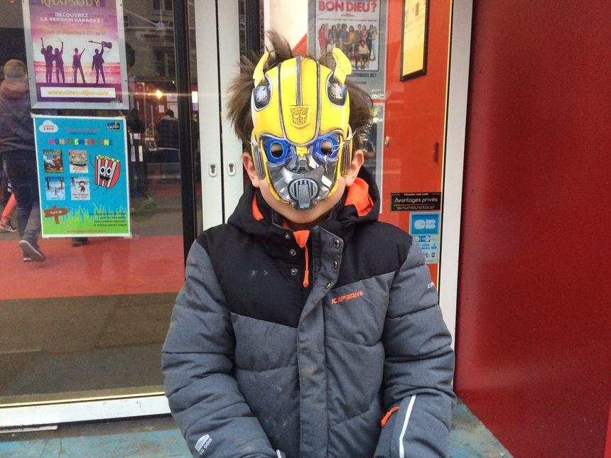 Pendant la séance de Bumblebee, les enfants ont eu droit à un masque.