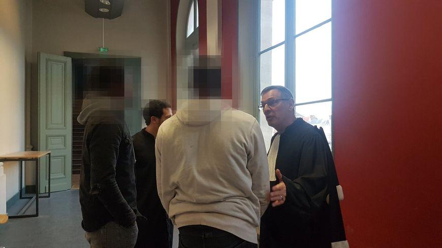 Les avocats des quatre jeunes hommes ont plaidé la nullité dans les dossiers des quatre jeunes hommes