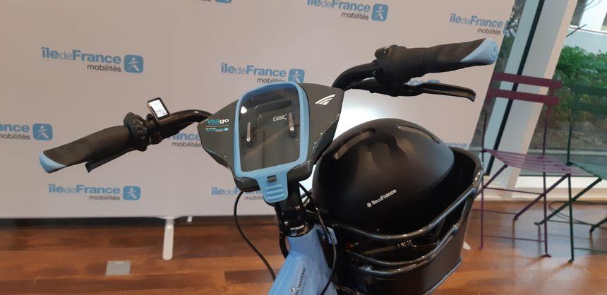 Le poste de pilotage du Véligo, permet de consulter son GPS en toute sécurité