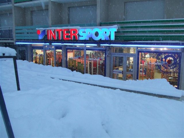Intersport enseigne