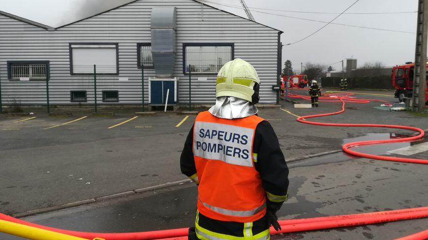 Incendie dans l'entreprise de maroquinerie Hokis de Châtellerault.