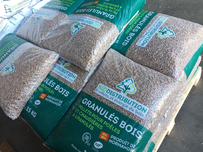 10 à 15 sacs de granulés permettent de se chauffer pendant un mois.