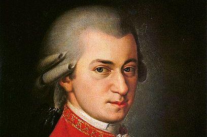 """Wolfgang Amadeus Mozart, peinture de Barbara Krafft (1819). PHOTO de Deutsch, Otto Erich (1965) """"Mozart : A Documentary Biography""""."""