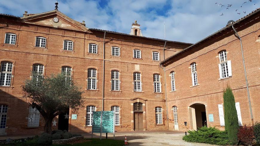 Vendredi après-midi, un conseil de surveillance de l'hôpital de Lavaur s'est tenu en urgence pour évoquer l'affaire.