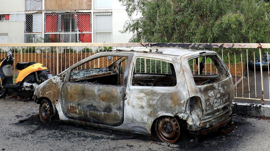 A Joué-les-Tours, le maire prend un arrêté de couvre-feu, pour éviter la multiplication des feux de voiture. (Illustration)