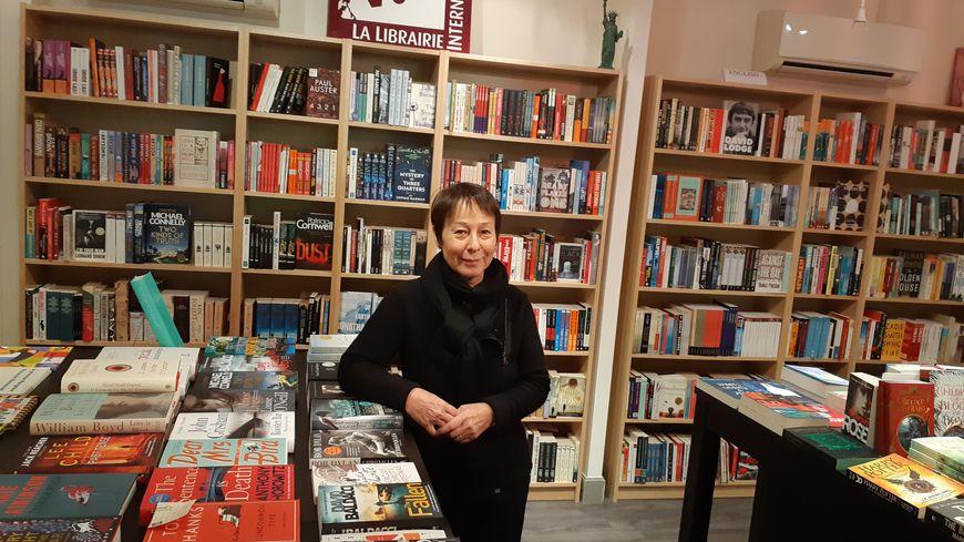 Môn Jugie, fondatrice de la librairie V.O. à Lille, prend sa retraite, à 66 ans. Elle n'a toujours pas trouvé de repreneur.