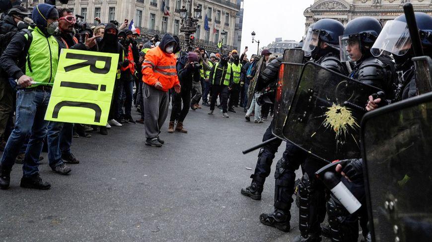 Lors de la manifestation du samedi 15 décembre, à Paris.