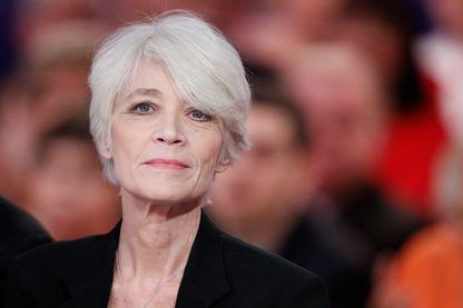 """Françoise Hardy, sur le plateau de """"Vivement Dimanche"""", le 02 novembre 2012"""