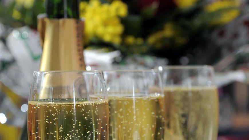 60 bouteilles de champagne livrées par un patient anonyme à l'hôpital d'Aubagne