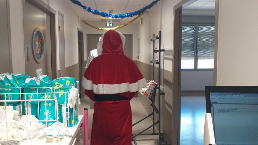 Le père Noël est passé à l'hôpital de Montélimar.