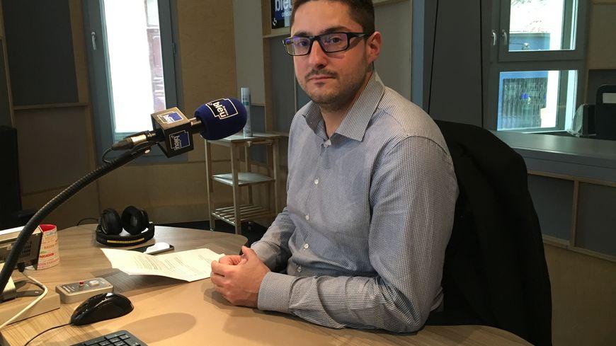 Ludovic Marchetti, délégué départemental du RN45, estime que le président de la République doit dissoudre l'Assemblée Nationale pour sortir de la crise des Gilets Jaunes