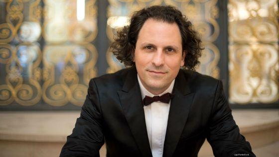 Alexandre Bloch, directeur musical de l'Orchestre National de Lille