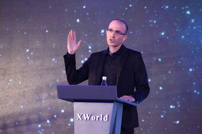 """Yuval Noah Harari, historien israélien, auteur du best-seller international """"Sapiens : Une brève histoire de l'humanité"""" et de """"Homo Deus : Une brève histoire de l'avenir""""."""