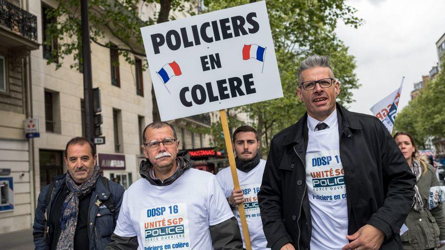 Manifestation de policiers en colère le 26 avril 2017, à Paris