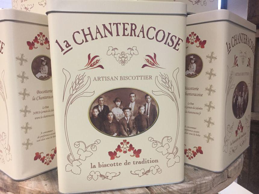 Une boîte de la biscotterie La Chantéracoise