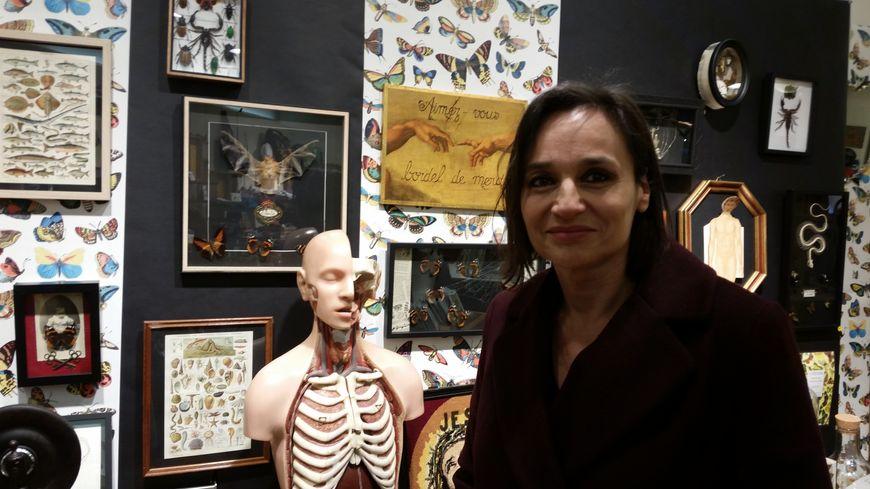 Christelle Lainet et son cabinet de Curiosis