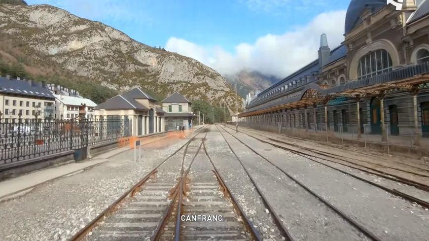 L'arrivée en gare de Canfranc