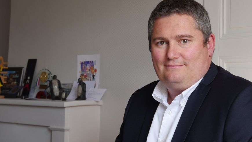 Le député de la 6e circonscription de la Loire Julien Borowczyk