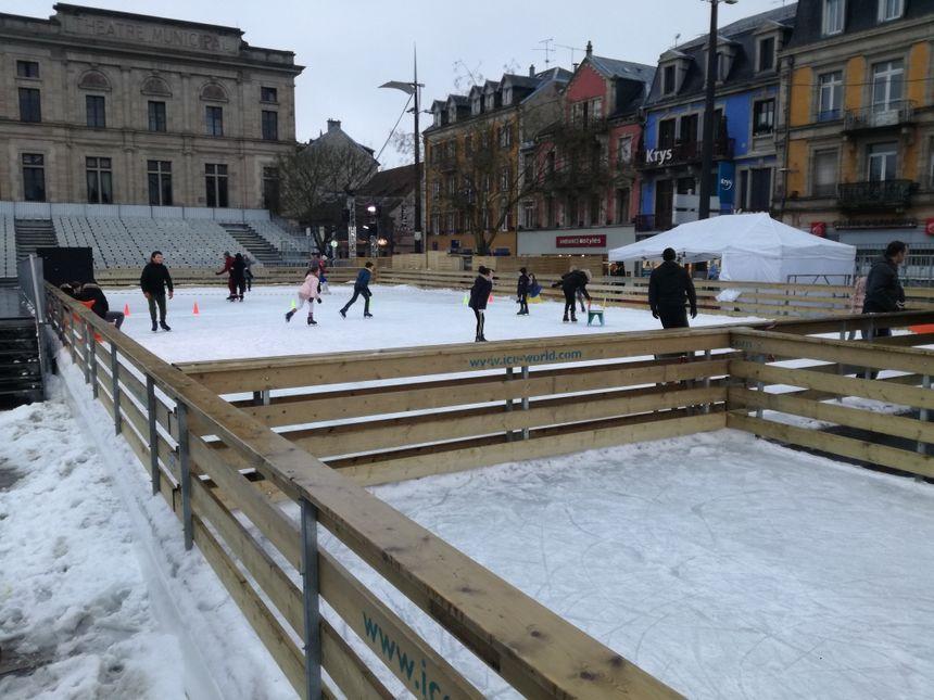 La patinoire de la place Corbis a connu une belle fréquentation selon ses responsables