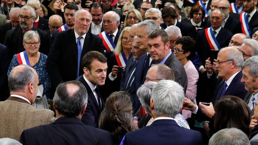 Emmanuel Macron lance le grand débat national depuis Grand Bourgtheroulde dans l'Eure.