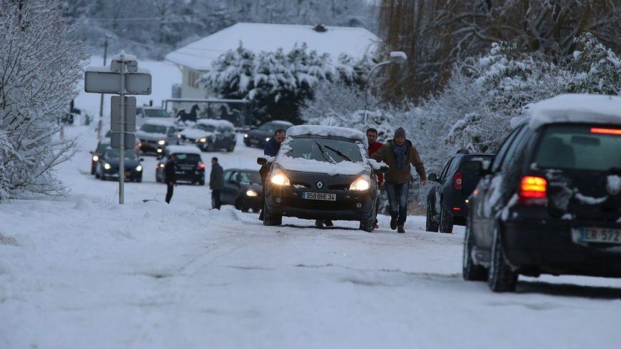 La neige a rendu la circulation très compliquée ce jeudi matin, notamment dans l'est.