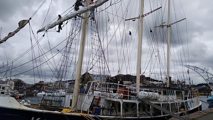 Le Kraken quitte le port de Cherbourg ce vendredi matin à 10H45