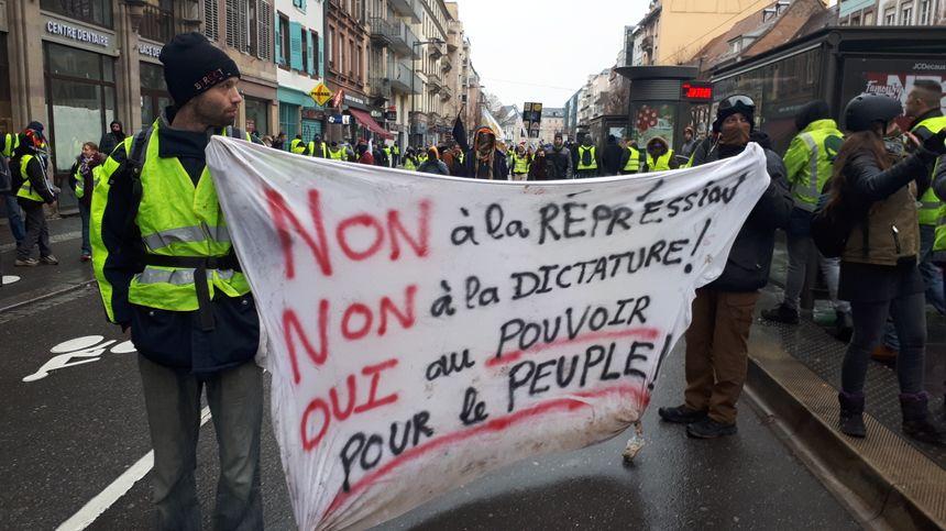 Dans la rue du Faubourg de Saverne